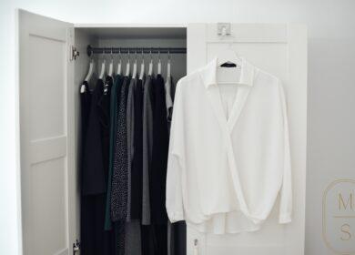 Baza: biała koszula